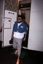 Ranveer Singh snapped at Mehboob on 5th Oct 2016 (6)_57f5d6d9d643d.JPG