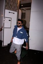 Ranveer Singh snapped at Mehboob on 5th Oct 2016 (7)_57f5d6decbeea.JPG