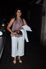 Sonali Kulkarni snapped at a screening on 5th Oct 2016 (6)_57f5d8275e29d.JPG