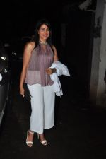 Sonali Kulkarni snapped at a screening on 5th Oct 2016 (7)_57f5d8368f507.JPG
