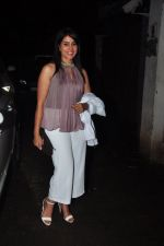 Sonali Kulkarni snapped at a screening on 5th Oct 2016 (8)_57f5d83b8fa74.JPG