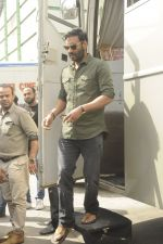 Ajay Devgan snapped at Filmcity on 6th Oct 2016 (8)_57f72fb2d80aa.JPG