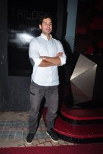 Dino Morea at Trilogy Bash on 6th Oct 2016 (16)_57f7722a12f00.JPG