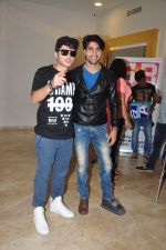 Divyendu Sharma, Harshad Chopra at the Trailer launch of film 2016 The End on 6th Oct 2016 (6)_57f76f03df341.JPG
