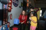 Farah Khan at smaash for jhalak promotions with welcome party for contestants on 6th Oct 2016 (2)_57f771b1bc15f.JPG