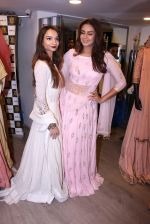 Huma Qureshi at Tanzila Antulay store preview on 6th Oct 2016 (32)_57f736dd827c4.JPG