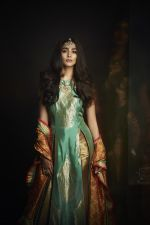 Pooja Hegde graces the cover of Pernia_s Pop-Up Shop_s October magazine (7)_57f72e449b353.jpg