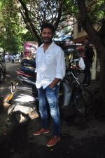 Prabhu Deva snapped in Mumbai on 6th Oct 2016 (8)_57f735f4bfd35.JPG