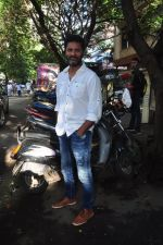 Prabhu Deva snapped in Mumbai on 6th Oct 2016 (9)_57f736000460e.JPG