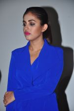 Priya Banerjee at the Trailer launch of film 2016 The End on 6th Oct 2016 (14)_57f77010837d7.JPG