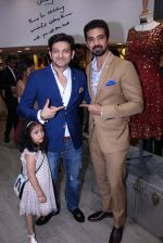 Saqib Saleem at Tanzila Antulay store preview on 6th Oct 2016 (27)_57f73daf4803b.JPG