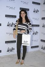 Neelam Kothari at Love Generation launch at Shoppers Stop on 7th Oct 2016 (75)_57f8a0a91bc3d.JPG