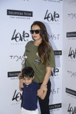 Seema Khan at Love Generation launch at Shoppers Stop on 7th Oct 2016 (76)_57f8a124d1565.JPG