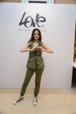 Suzanne Khan at Love Generation launch at Shoppers Stop on 7th Oct 2016 (245)_57f8a14d6be93.jpg