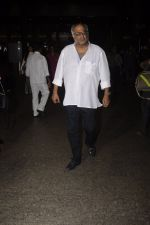 Boney Kapoor snapped at airport on 9th Oct 2016 (15)_57fb6e852c7ad.JPG