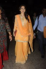 Juhi Chawla snapped at airport on 9th Oct 2016 (19)_57fb6f4d10004.JPG