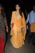 Juhi Chawla snapped at airport on 9th Oct 2016 (21)_57fb6f91db569.JPG