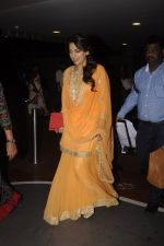 Juhi Chawla snapped at airport on 9th Oct 2016 (24)_57fb7009a2f18.JPG