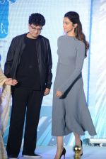 Parsoon Joshi, Deepika Padukone at together against depression event on 10th Oct 2016 (41)_57fb774f77aef.JPG