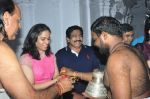 Sania Nehwal visits film nagat temple on 9th Oct 2016 (21)_57fb761120f0e.JPG