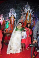 Sharbani Mukherjee at Durga Pooja on 10th Oct 2016 (33)_57fb780febb1c.JPG