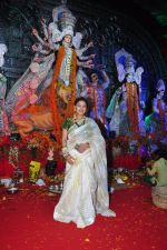 Sharbani Mukherjee at Durga Pooja on 10th Oct 2016 (36)_57fb7873a4695.JPG