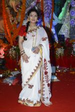 Sharbani Mukherjee at Durga Pooja on 8th Oct 2016 (19)_57fb1776dcb8f.JPG