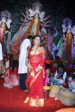 Sharbani Mukherjee at durga pooja on 9th Oct 2016 (10)_57fb700054d96.JPG