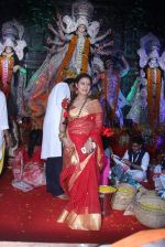 Sharbani Mukherjee at durga pooja on 9th Oct 2016 (11)_57fb702f166ef.JPG