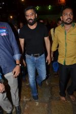 sunil shetty at durga pooja on 8th Oct 2016 (13)_57fb243a205c4.JPG
