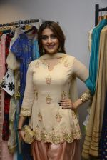 Aarti Chhabria at designer Manali Jagtap store festive collection launch on 10th Oct 2016 (136)_57fc898a71c01.JPG