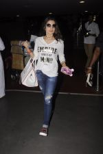 Ameesha Patel snapped at airport on 10th Oct 2016 (26)_57fc7f3a1c1d3.JPG