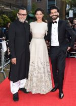 Harshvardhan Kapoor, Saiyami Kher, Rakesh Mehra at Mirzya premiere in BFI London Film festival on 10th Oct 2016 (81)_57fc9453cfd39.JPG