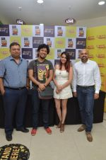 Papon and Shalmali Kholgade at the Announcement Of Mirchi Top 20 Concert on 10th Oct 2016 (30)_57fc861e2e5a0.JPG
