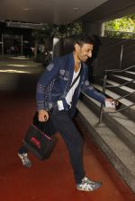 Rahul Dev snapped at airport on 11th Oct 2016 (20)_57fc7d2cf0b5c.JPG