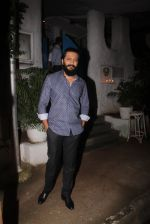 Riteish Deshmukh snapped on 10th Oct 2016 (12)_57fc7eb8e74df.JPG