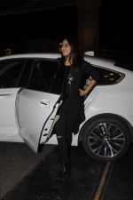 Sonakshi Sinha snapped at airport on 10th Oct 2016 (52)_57fc7f10ae239.JPG