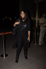 Sonakshi Sinha snapped at airport on 10th Oct 2016 (58)_57fc7f60581ad.JPG