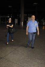 Tamannaah Bhatia snapped at airport on 11th Oct 2016 (26)_57fc7d70291fa.JPG