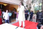 Amitabh Bachchan celebrates his birthday with media on 11th Oct 2016 (79)_57fdce6c7224a.JPG