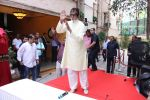Amitabh Bachchan celebrates his birthday with media on 11th Oct 2016 (81)_57fdce91893b8.JPG