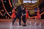DJ Bravo on the sets of Jhalak dikhhla jaa season 9 on 11th Oct 2016 (133)_57fdce686bed8.JPG