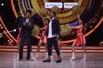 DJ Bravo on the sets of Jhalak dikhhla jaa season 9 on 11th Oct 2016 (134)_57fdce76e218c.JPG