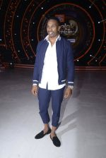 DJ Bravo on the sets of Jhalak dikhhla jaa season 9 on 11th Oct 2016 (147)_57fdceadc6169.JPG