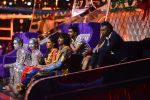 DJ Bravo on the sets of Jhalak dikhhla jaa season 9 on 11th Oct 2016 (150)_57fdcf0748ae8.JPG