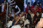 Rani Mukherjee at Durga Pooja on 11th Oct 2016 (18)_57fdcdb9456ba.JPG