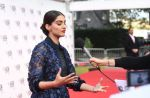 Sonam Kapoor at Mirzya premiere in BFI London Film festival on 10th Oct 2016 (35)_57fdc1d9c9525.JPG