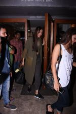 Sonam Kapoor snapped on 12th Oct 2016 (18)_57ff37db60ba2.JPG