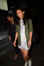 Alia Bhatt snapped on 13th Oct 2016 (5)_5800c22a67779.JPG