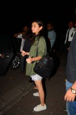 Alia Bhatt snapped on 13th Oct 2016 (7)_5800c251171b4.JPG